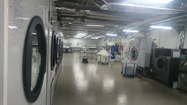 Cần mua máy giặt công nghiệp